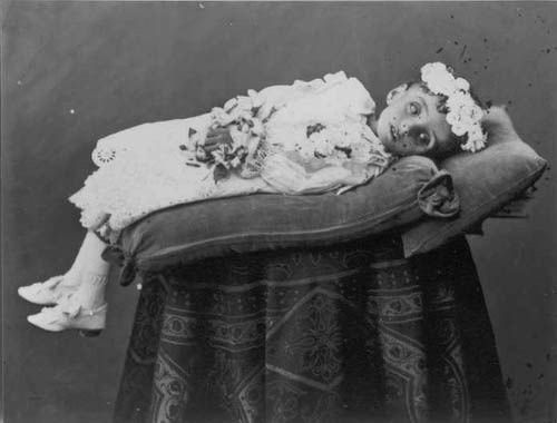 victorian_mourning_child